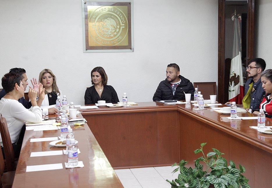 Diputados de la comisión de seguridad revisan iniciativa para sancionar a quienes manejan bajo influjos de drogas o medicamentos prescritos