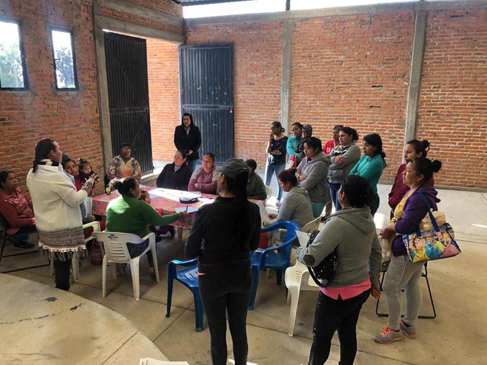 Exitosa participación en taller de mujeres emprendedoras en la pila